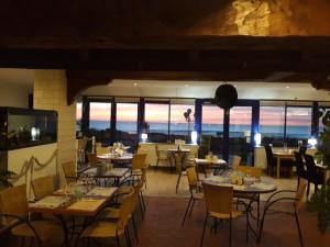 salle panoramique face à la mer
